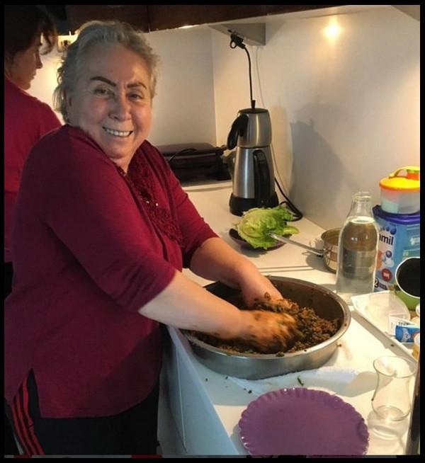 Yeliz Yeşilmen annesinin fotoğrafını paylaştı