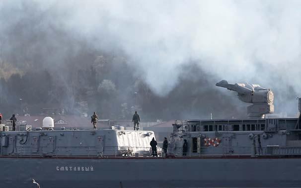 Rus gemisi İstanbul Boğazı'ndan böyle geçti
