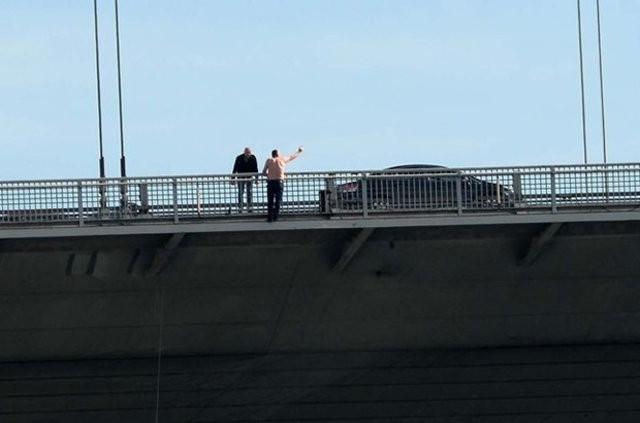 Boğaz Köprüsü'nde intihar kamerada