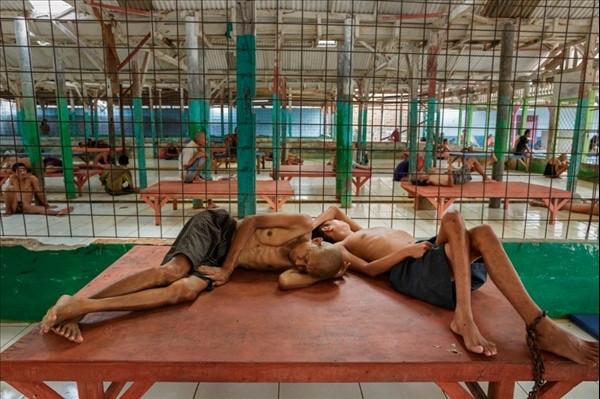 Akıl hastanelerinden tüyler ürperten fotoğraflar