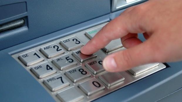 ATM'den para çekerken bu cihaza dikkat !
