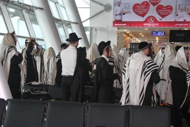 Atatürk Havalimanı'nda Yahudi ayini