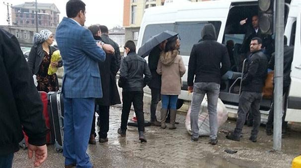 Yüksekova'da operasyon öncesi göç başladı