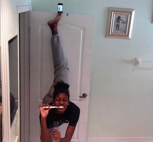 Selfie çekmenin dozunu kaçıranlar