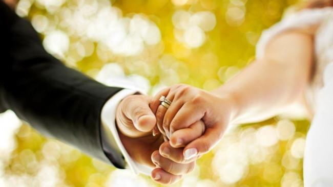 Evlenmek için yıllarca bekleyen ünlü isimler