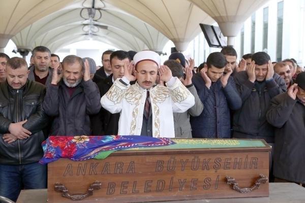 Ankara'da acı tesadüf ! 4 kişilik aile evinde ölü bulundu