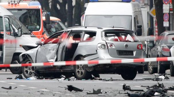 Berlin'de bomba yüklü araç patladı: 1 Türk öldü