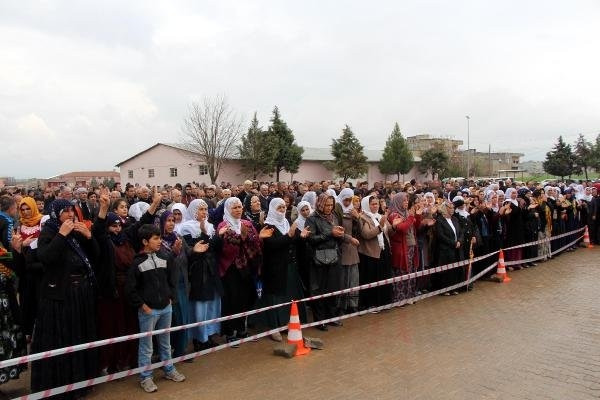 HDP'li 2 vekil PKK'lının cenazesine katıldı