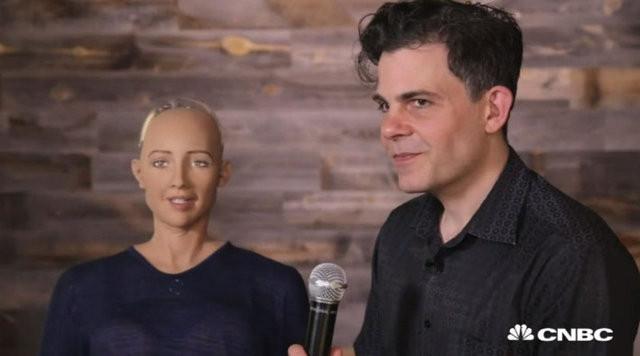 İnsana en çok benzeyen robot: Sophia