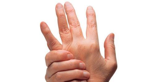Parmak çıtlatmak gerçekten sağlığa zararlı mı?