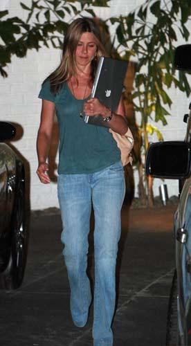 Jennifer Anistondan en doğal pozlar