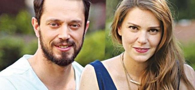 Aslı Enver sevgilisi Murat Boz'a taşındı