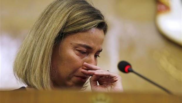Brüksel için gözyaşlarına boğuldu