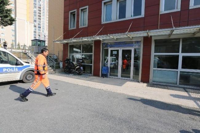 Temizlik İşçisi Bulduğu 20 Bin Tl'lik Çeki Sahibine Teslim Etti