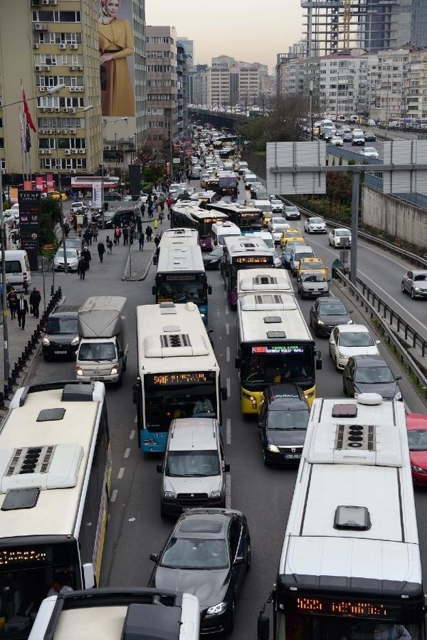 İstanbul'da bombalı minibüs paniği !