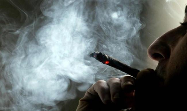 Sigara içmek pankreas kanseri riskini ikiye katlıyor
