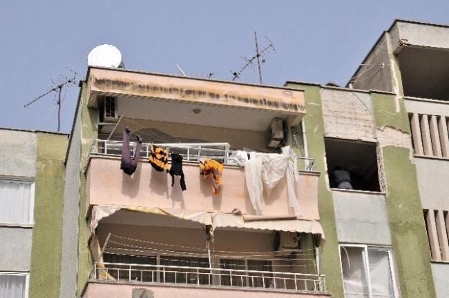 Mersin'de evde patlama: 1 ölü, 3 yaralı