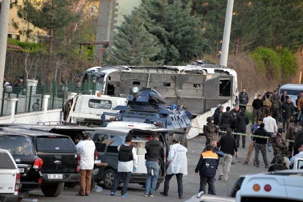 Diyarbakır'da bombalı saldırıdan ilk görüntüler