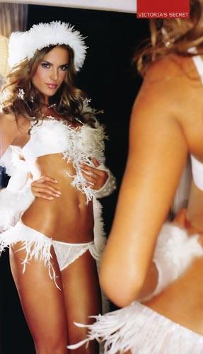 Victorias Secret kızlarından sıcacık pozlar