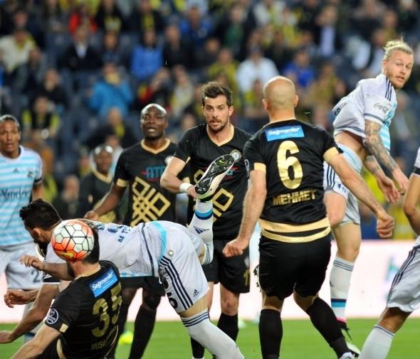 Fenerbahçe-Osmanlıspor maçından kareler