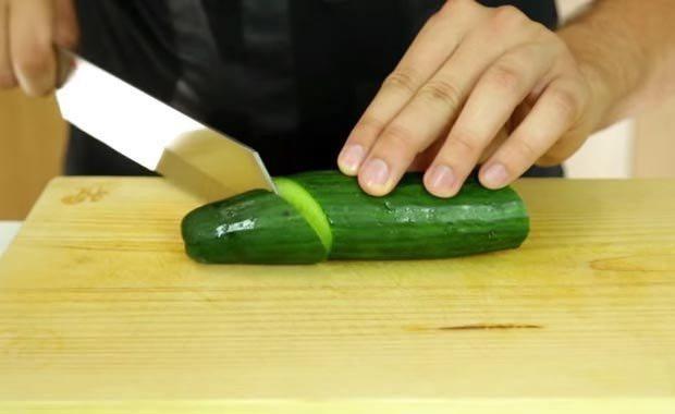Salatalığın yanına kürdan koyduğunuzda...