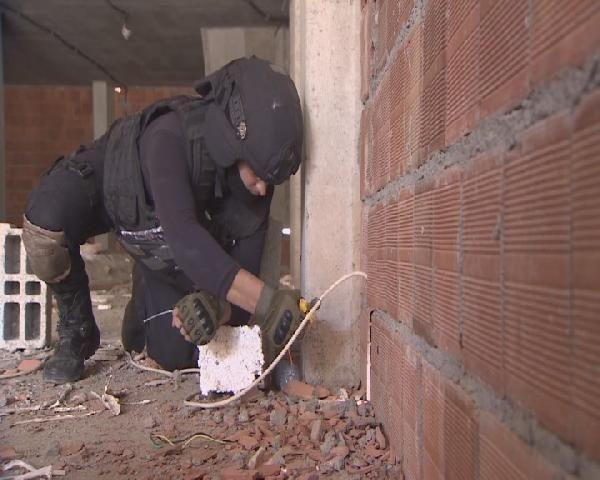 Hainler duvarların içine bile bomba yerleştiriyor!