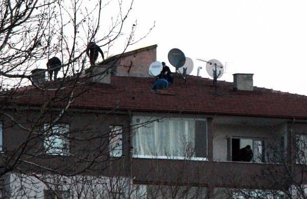 PKK'nın hücre evine baskın, 2 PKK'lı öldürüldü