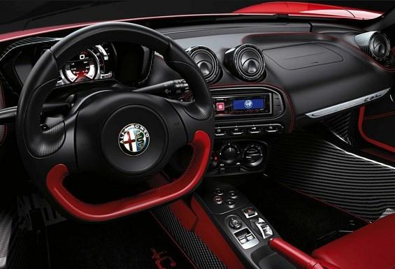 Alfa Romeo 4C Spider özellikleri nasıl?