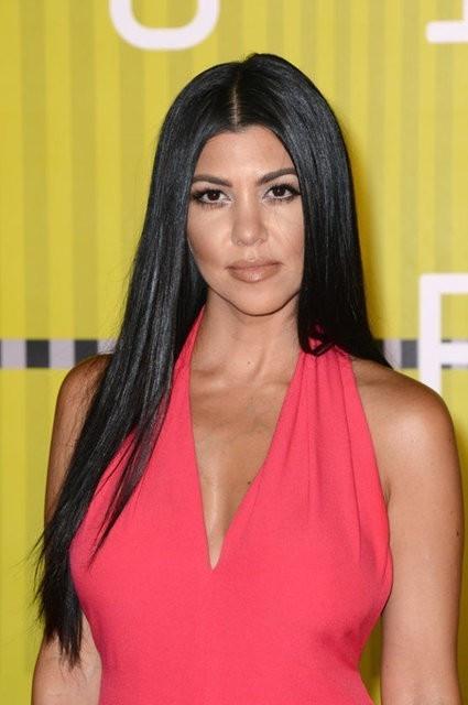 Kardashian her sabah bakın ne içiyormuş !
