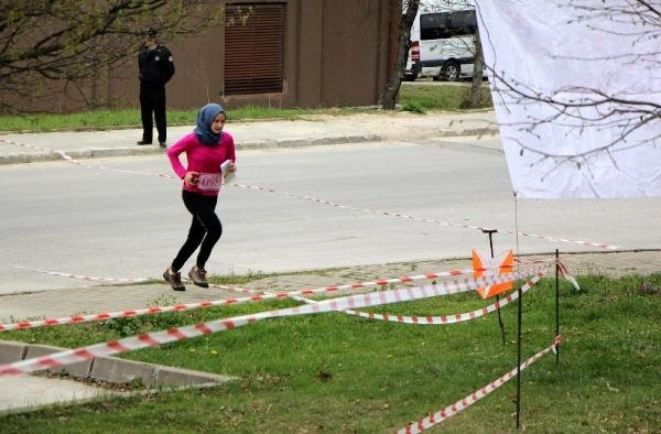 Davutoğlu'nun kızı 'Oryantiring'de mücadele etti