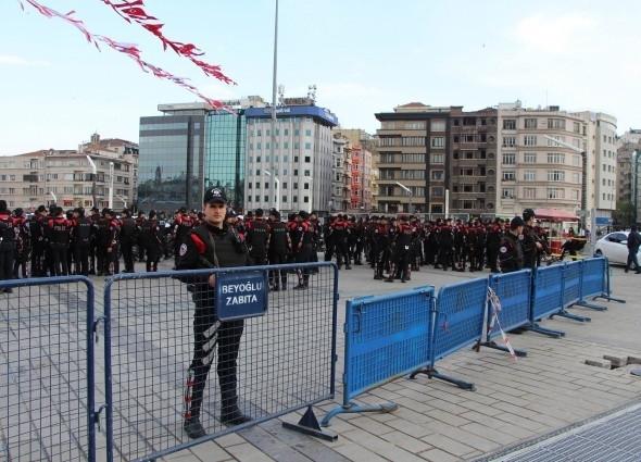 Taksim'de kuş uçurtulmuyor!