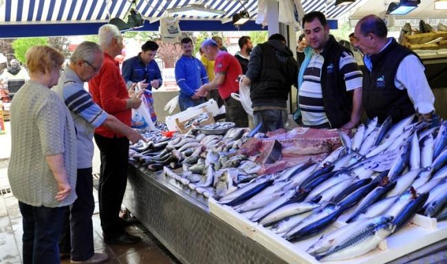 Yasak geliyor, balıklar ucuzladı !
