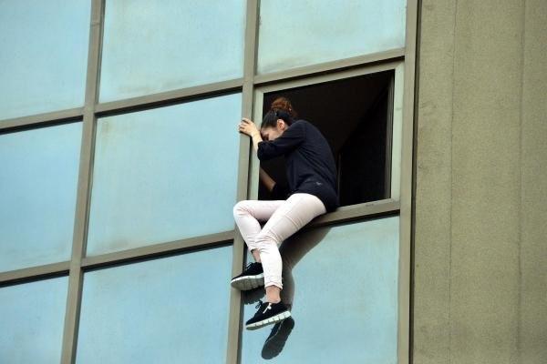 Dershanede intihar etmek istedi