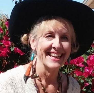 Çölde mahsur kalan yaşlı kadının mucize kurtuluşu