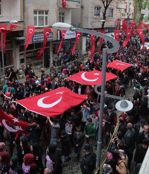 Şehit Cantürk'ü 10 bin kişi uğurladı
