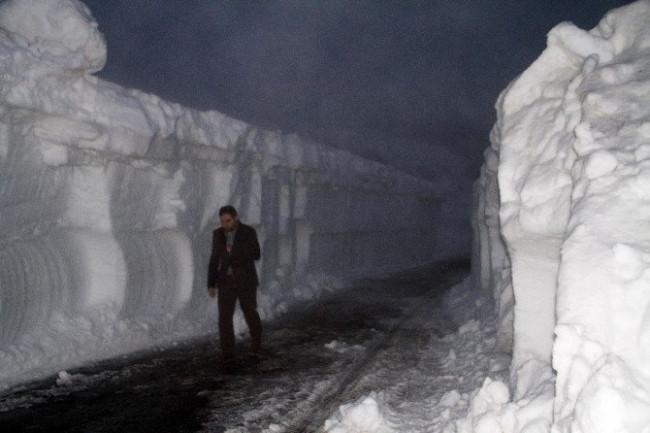 Nisan ortasında 3 metre kar !