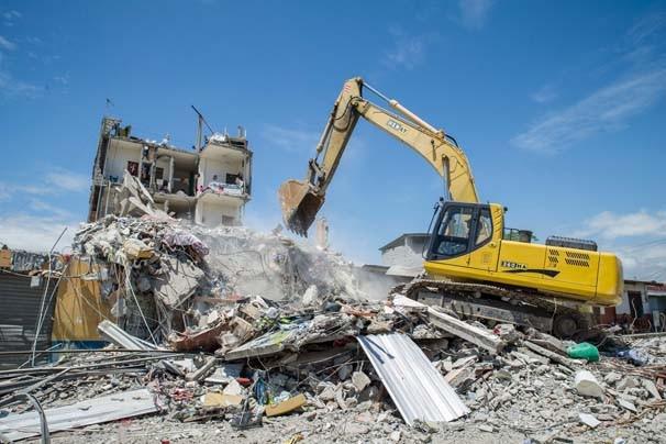Ekvador depreminde ölü sayısı artıyor