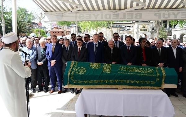 Erdoğan, Salih Tuna'nın babasının cenazesine katıldı