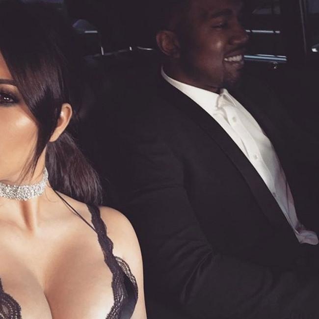 Kim Kardashian yine yürek hoplattı !