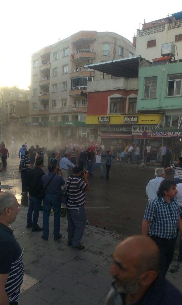 Kilis'te camiye roket düştü: 1 ölü