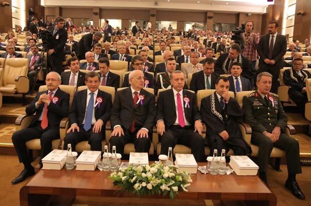Erdoğan, Kılıçdaroğlu ile tokalaşmadı