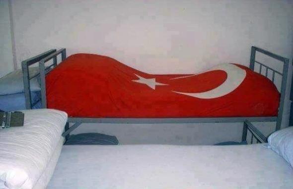 Şehitlerin yatakları boş bırakılmadı