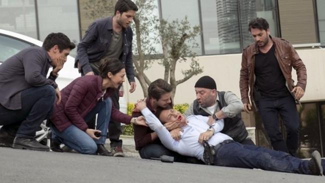 Türkü Turan'ın sevişme sahnesi rekora koştu !