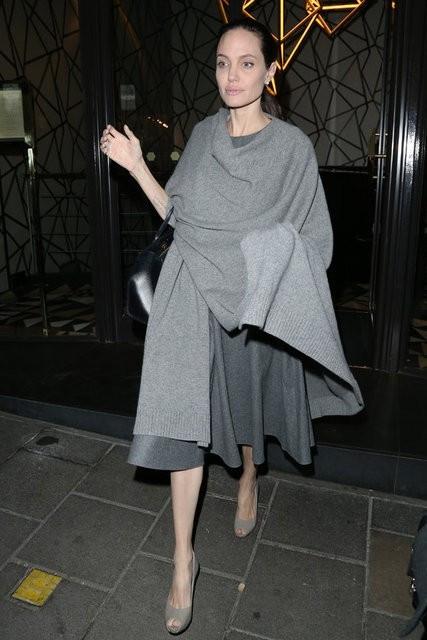 Angeline Jolie'nin son hali! Bir deri bir kemik kaldı hastalığı ne?