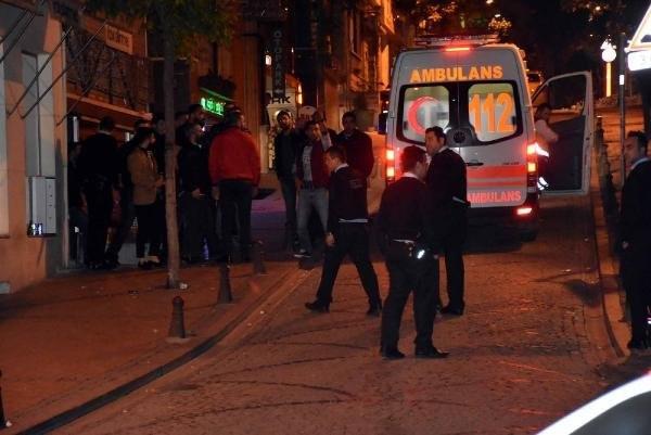 İstanbul'da gece yarısı silahlı kavga !
