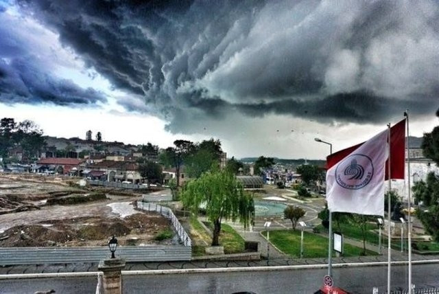 Edirne'deki bu görüntü uçak düşürebilir
