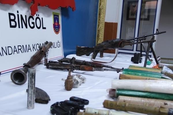 Bingöl'de PKK'nın cephaneliği ele geçirildi