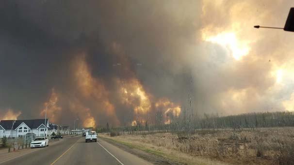 Kanada'da bir kent alev alev yanıyor !
