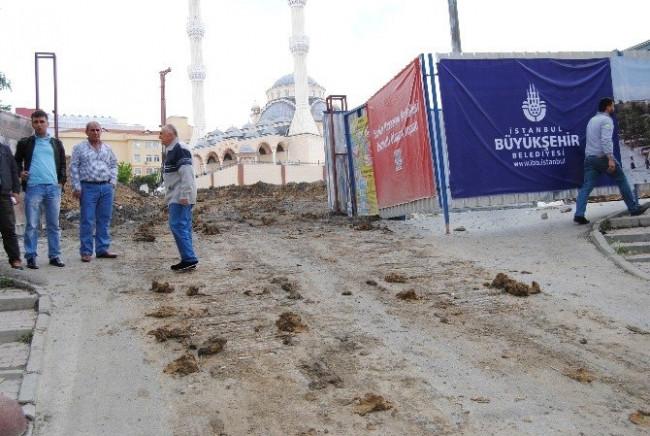 İstanbul'da TIR dehşeti ! 5 katlı binaya girdi
