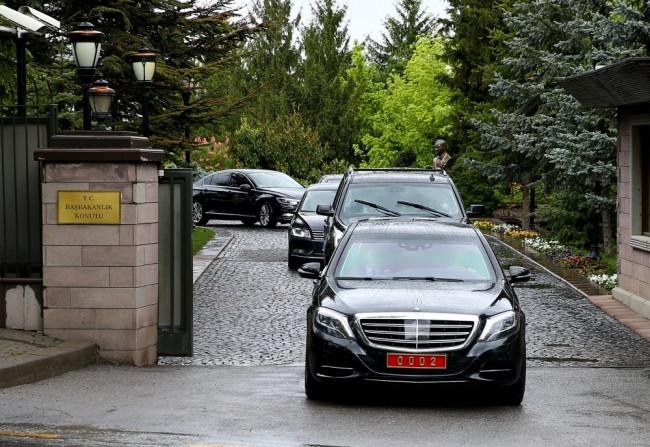 Davutoğlu AK Parti'ye böyle geldi ! Dikkat çeken detay